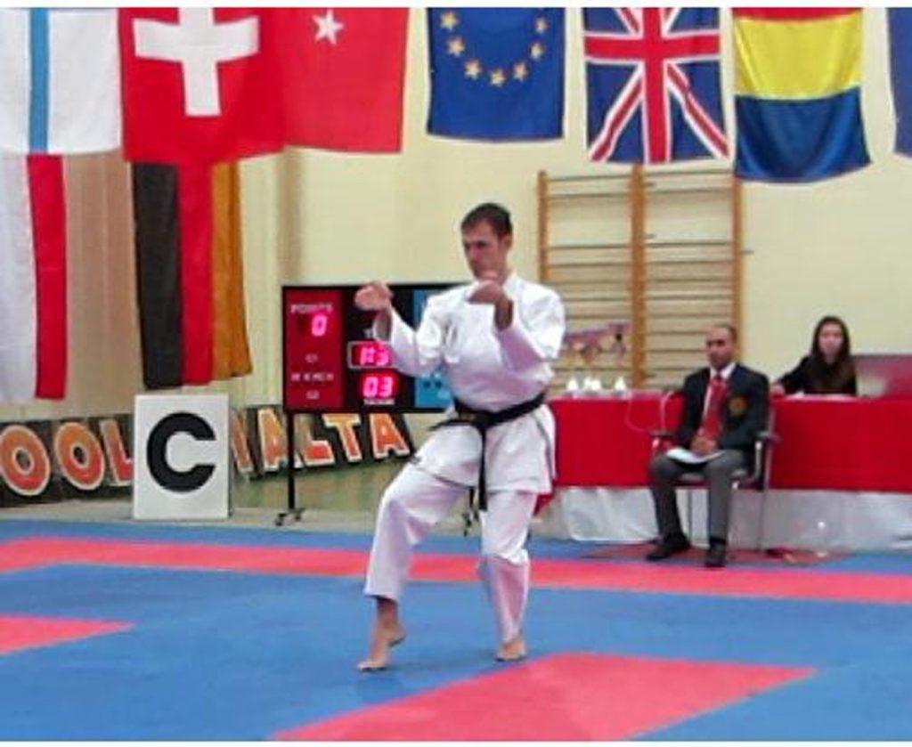 Maestro Di Donato Davide campione internazionale karate